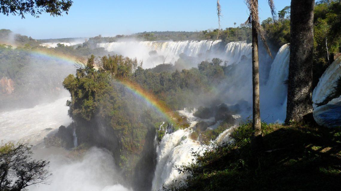 Argentine , Les chutes d'Iguazu ( Iguaçu au Brésil)