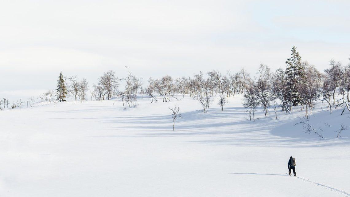 Comment s'habiller pour randonnée en montagne en hiver